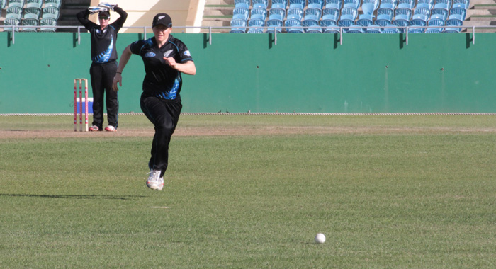 A New Zealand player chases the ball in the outfield. (IWN photo)