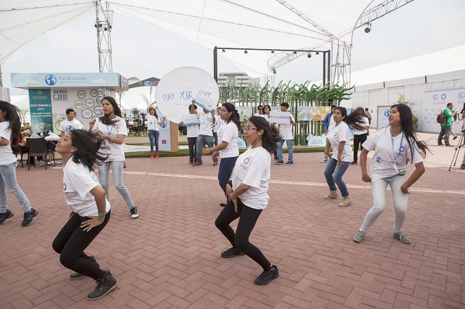 "Student members of Peru's ""Play Your Part"" movement perform at the COP20 venue on Friday, urging action on climate change. (Photo: COP20 Lima)"