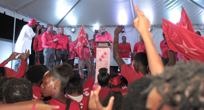The crowd reacts during Carlos James' address on Sunday. (IWN photo)