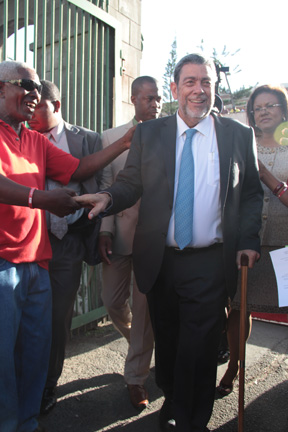 Gonsalves interacts with persons on his way to Parliament. (IWN photo)