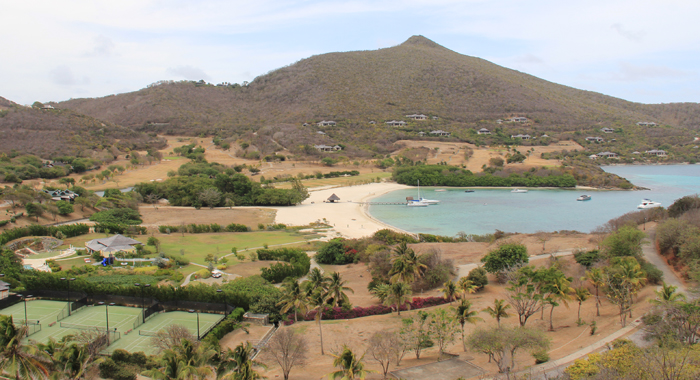 """Carenage, another of the beaches in the """"developed"""" north of Canouan. (IWN photo)"""