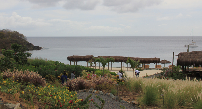 L'anse Guyac, one of the beaches to which residents of Canouan want land access. (IWN photo)