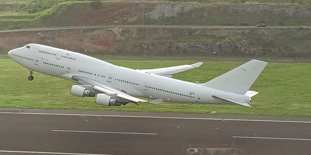 747 Leaves
